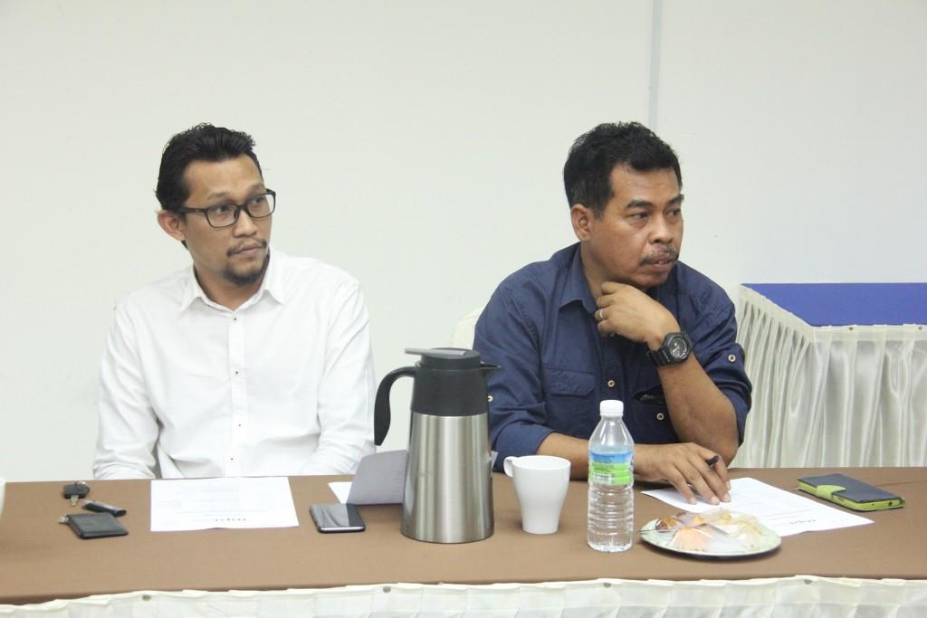 Utusan Malaysia diwakili oleh Band 11 O'Clock Off Stone yang diketuai oleh Amran Mulup (berbaju biru) dan Sani Misnan (kemeja putih).